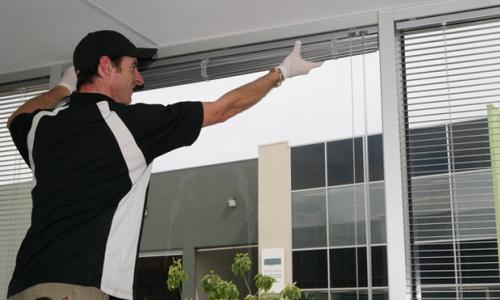 Reparaci n de ventanas empresa especializada en for Reparacion de ventanas de aluminio