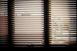 window-blinds-932644_640