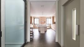 alurei-carpinteria-de-aluminio-con-sistemas-correderas-minimalistas-y-con-elementos-de-diseno-clasico-y-tradicional